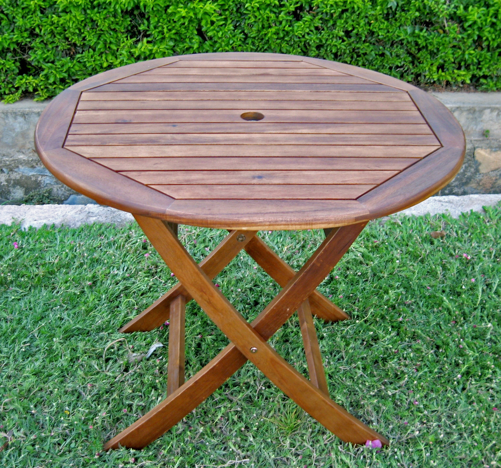 Inch round wooden folding table with curved legs in
