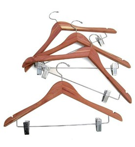 Cedar Wood Hangers (Set of 4) Image