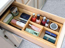 Expandable Cosmetic Drawer Organizer Image