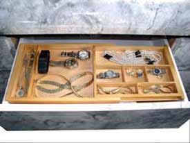 Expandable Jewelry Drawer Organizer Image