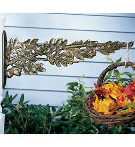 Outdoor Plant Hanger - Oak Leaf Image